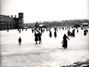 Photo of Tynemouth lake frozen over